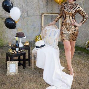 Dresses & Skirts - Gold black sequin dress S/M